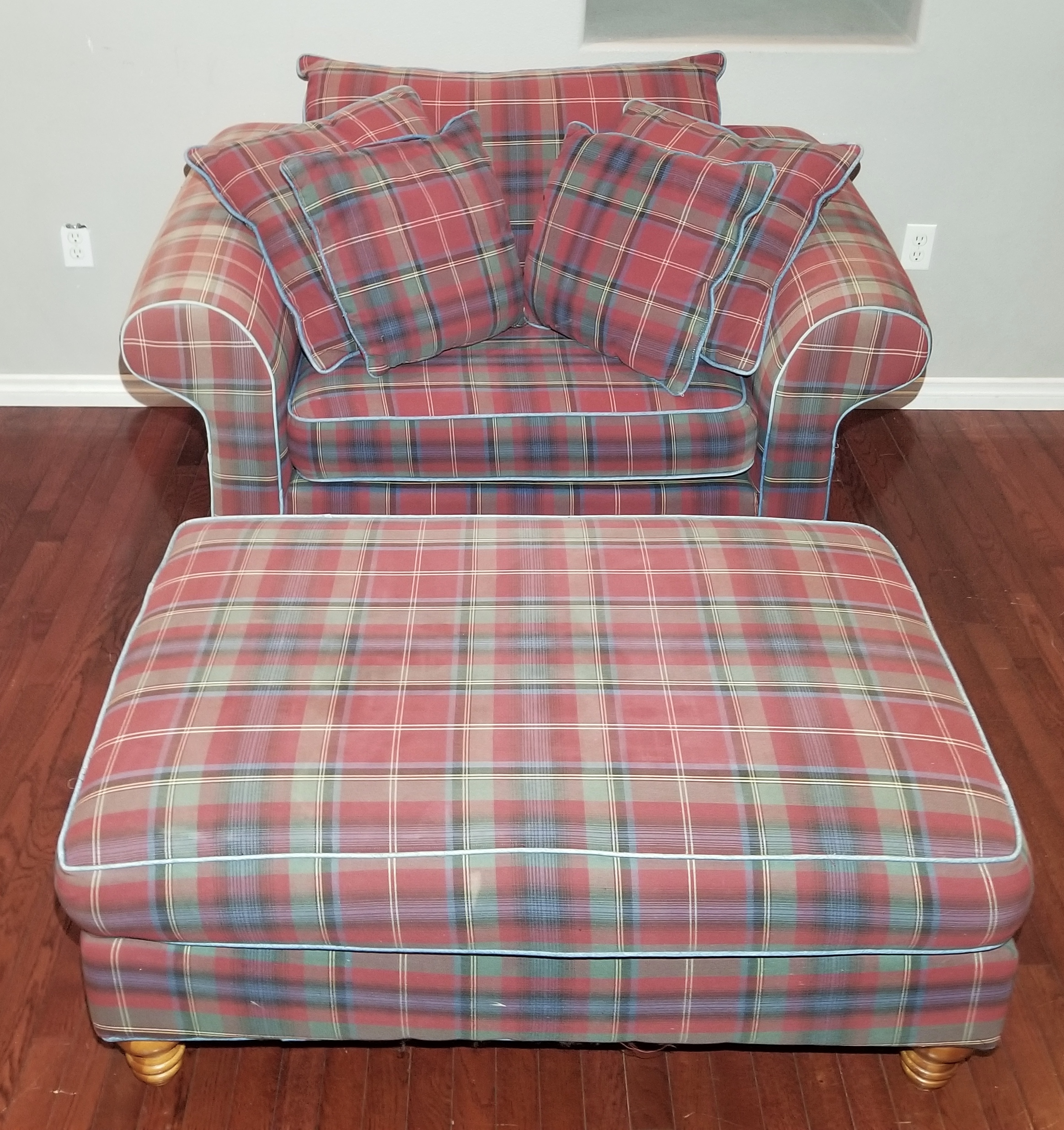 Pleasant Cha26 Red Green Plaid Mix Polyester Oversized Armchair And Matching Ottoman Inzonedesignstudio Interior Chair Design Inzonedesignstudiocom